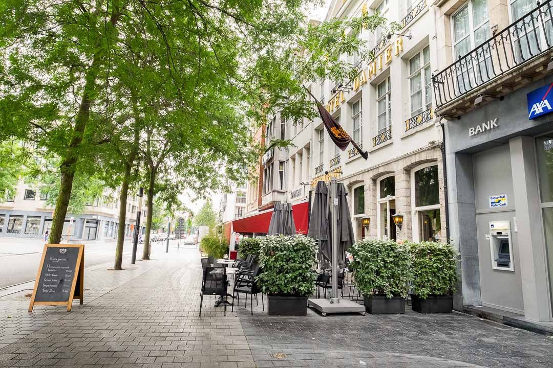 Hotel Damier Kortrijk gevel inkom
