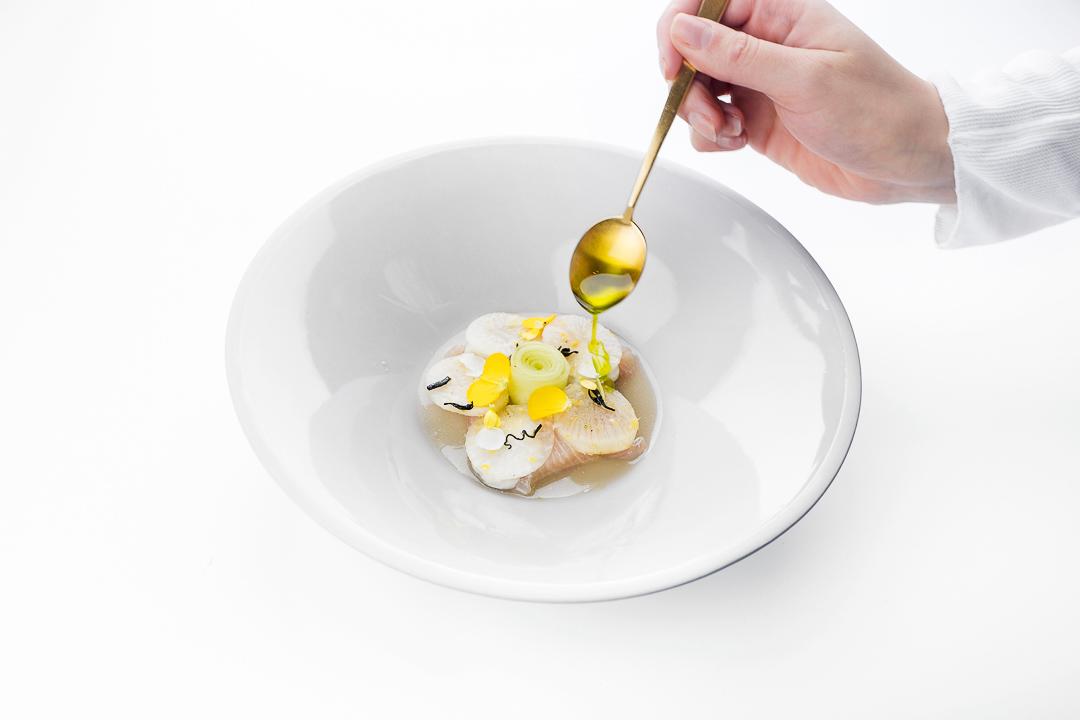 Nuance_Duffel_hamachi_oestercrème_komkommer_radijs_yuzu_mierikswortel_1