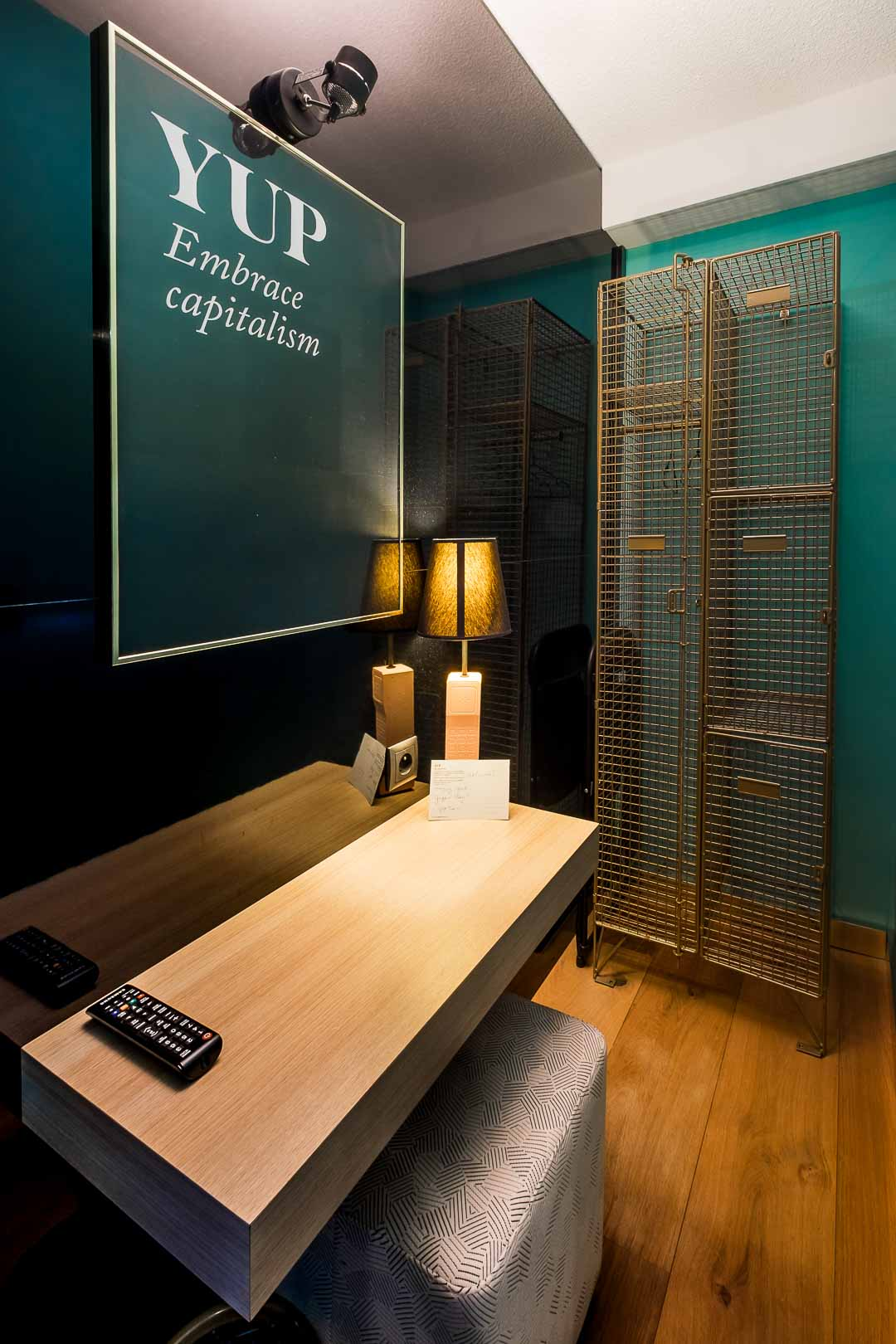 Hotel Yup Hasselt kamer quotes sfeer