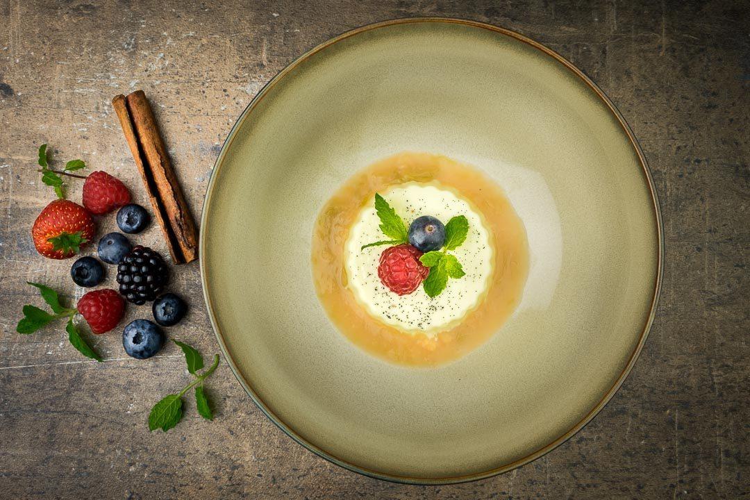 panna cotta rabarber coulis dessert recept