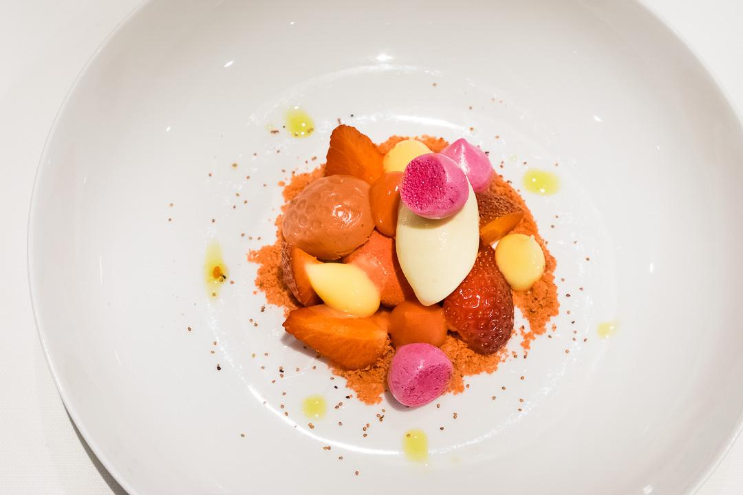 Restaurant JER Hasselt dessert aardbei yogurt