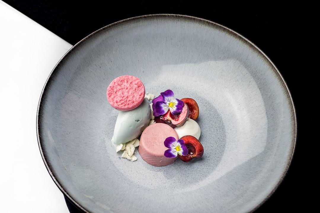 restaurant damier kortrijk kers viooltjes yoghurt