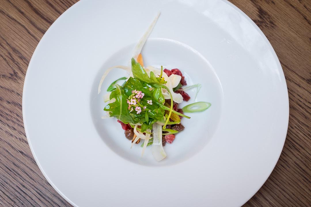 les chouettes paris restaurant beef tataki