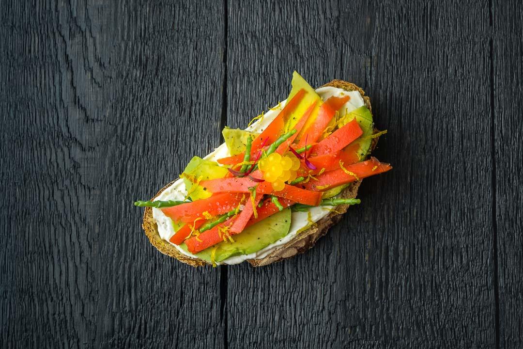 luxe broodje zalm gerookt mango citroeneitjes