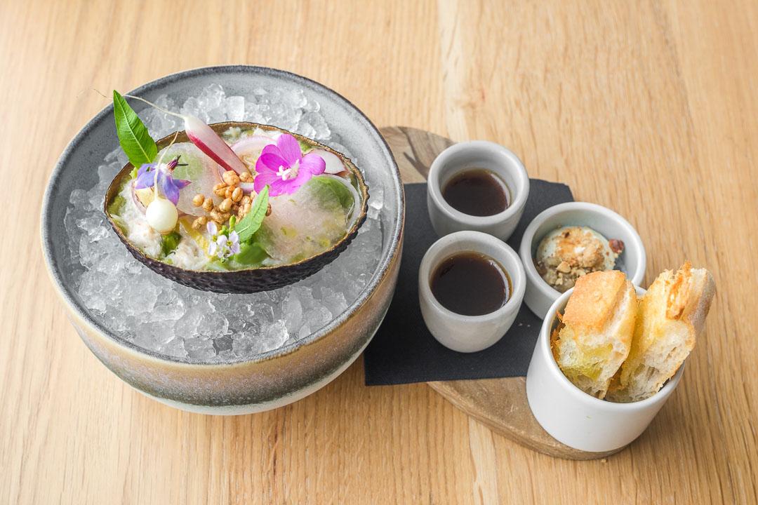 restaurant pure c cadzand avocado crab