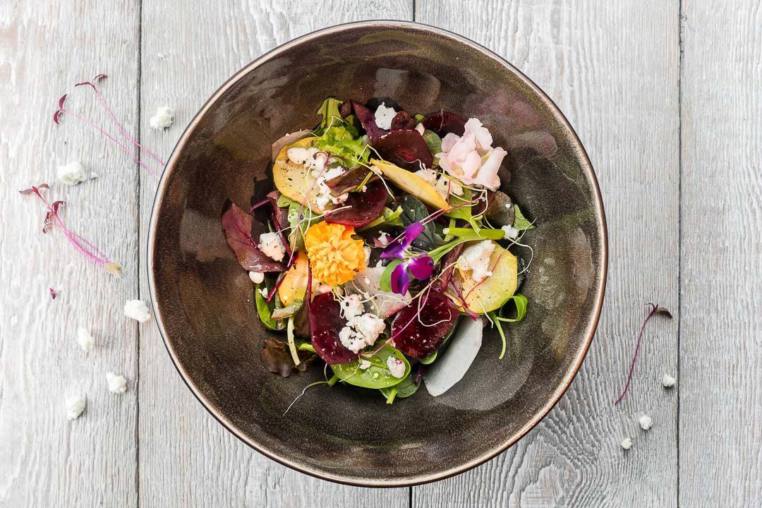 Salade bieten geitenkaas bloemen