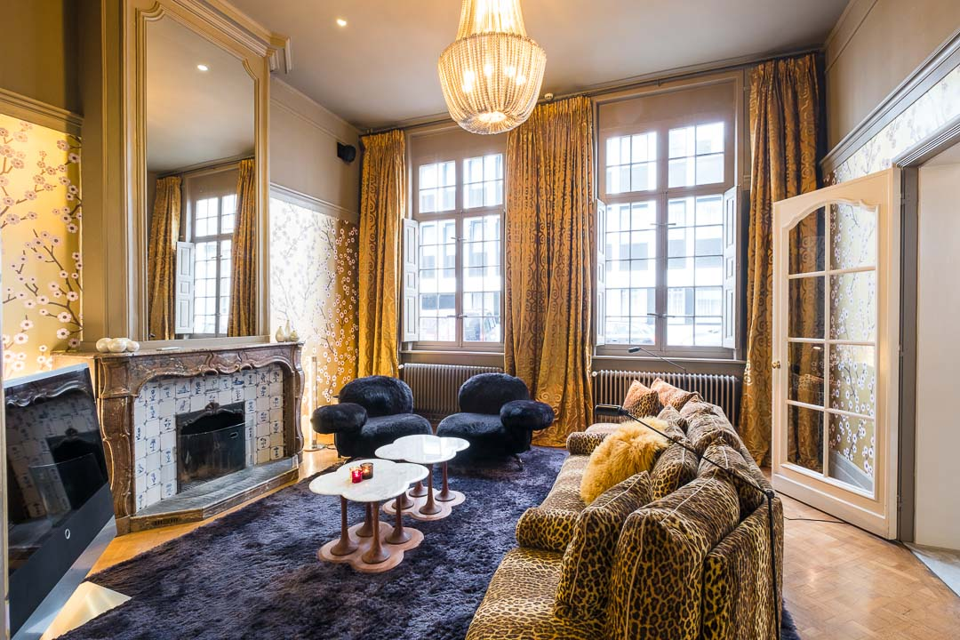 Hotel De Witte Lelie Antwerpen badkamer TV ruimte