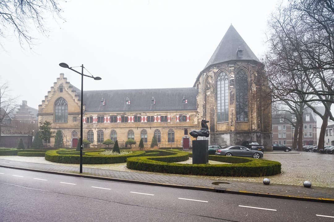 Kruisherenhotel Maastricht gebouw
