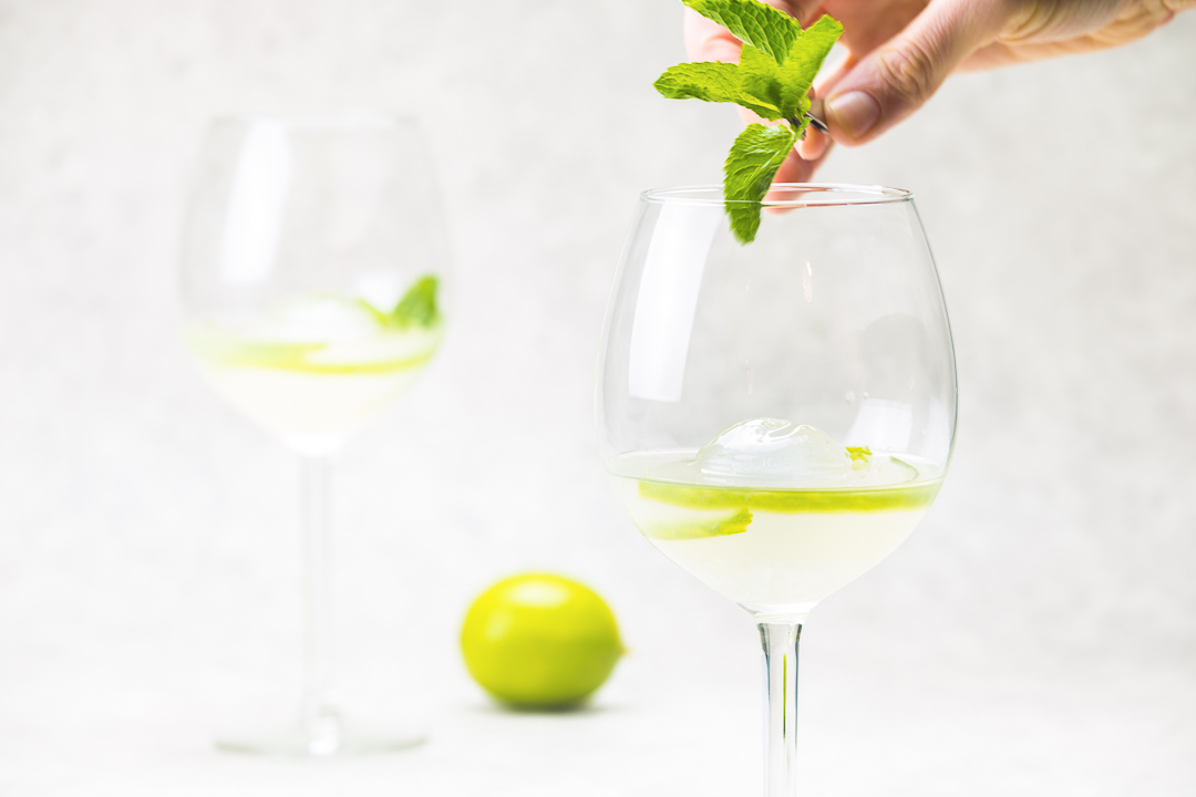cocktail gin lime elderflower mint champagne