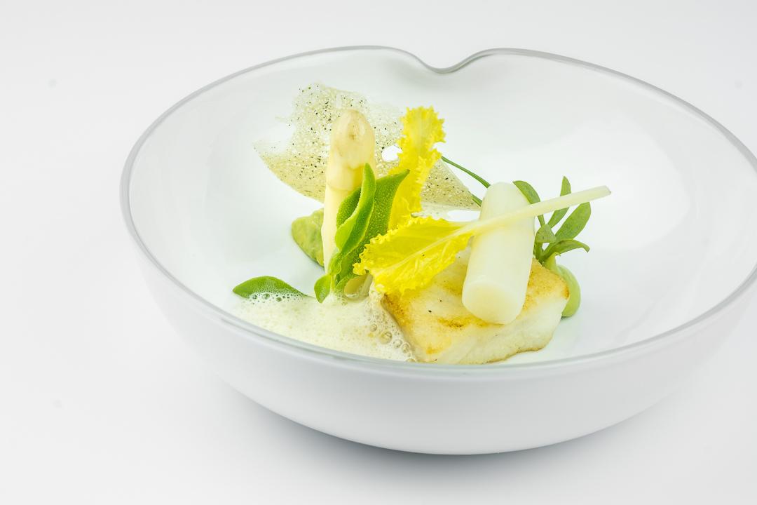 kabeljauw asperge avocado spinazie serbena