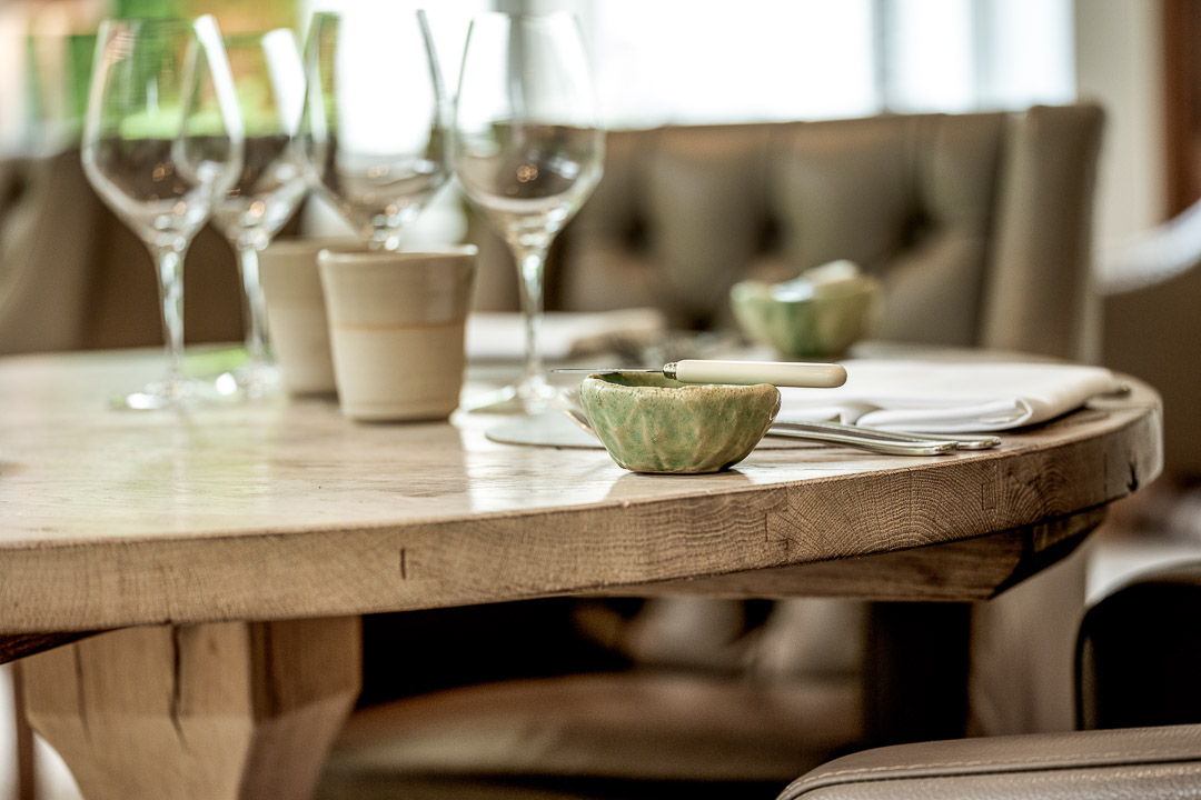 Set table 2. Close-up. Auberge De Herborist by Hungry for More.