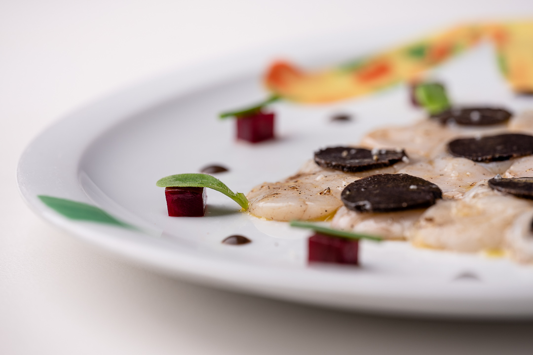La Truffe Noire by Hungry for More. Details of the carpaccio of coquilles by chef Luigi Ciciriello.