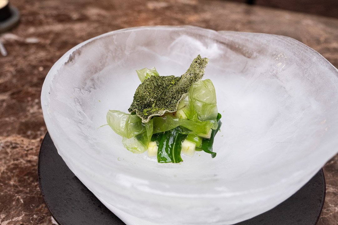 Taxi's by Hungry for More. Ceviche van langoustine met avocado en yuzu by chef Gilles Bogaert.