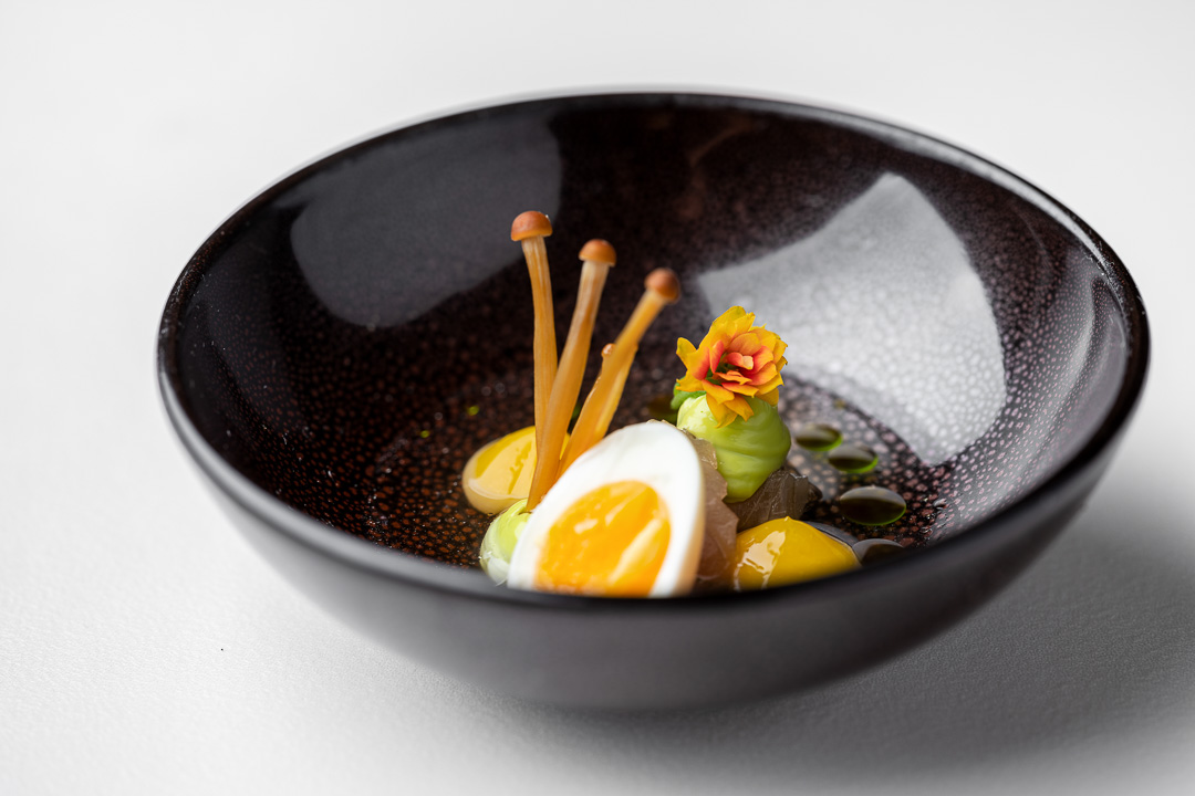 Kommilfoo by Hungry for More. Details of the amuse with eggs by chef Olivier de Vinck.
