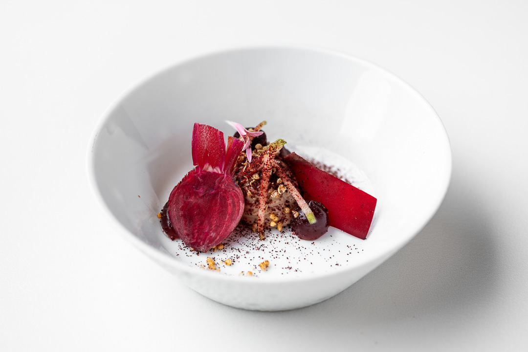 Kommilfoo by Hungry for More. Top shot of the dish with beetroot by chef Olivier de Vinck.