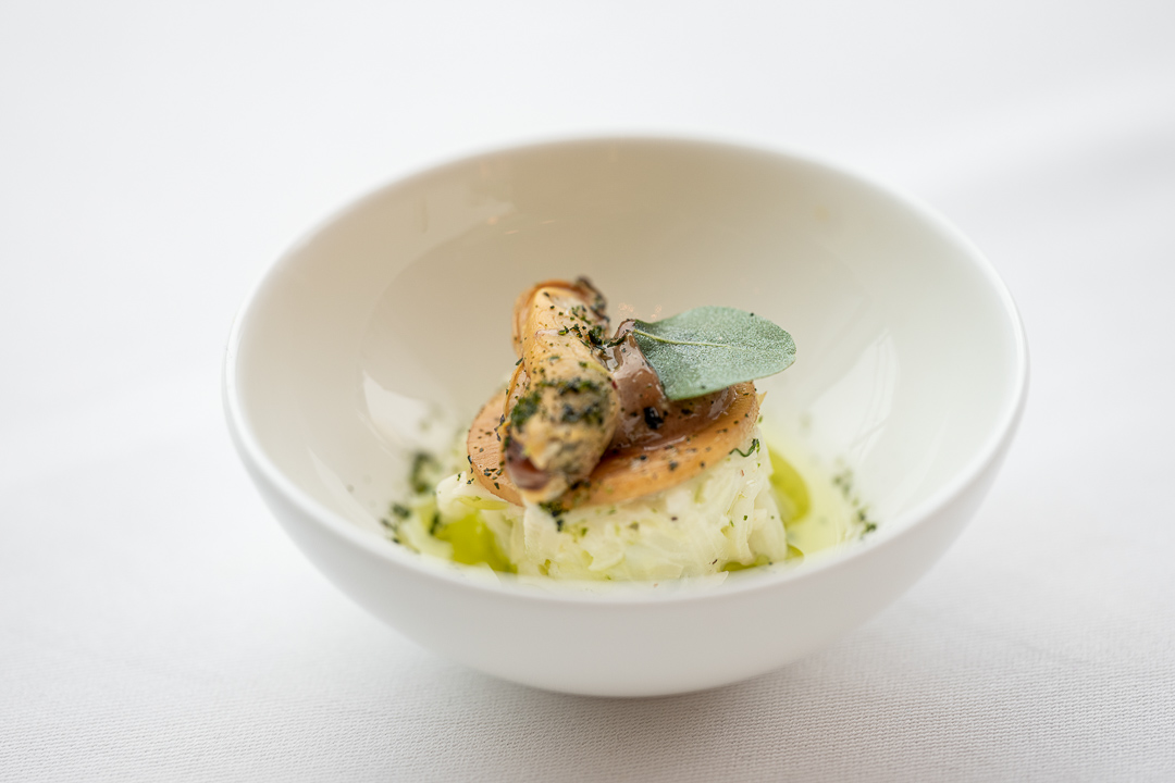 L'Envie by Hungry for More. Amuse with mussels by chef David Grosdent.