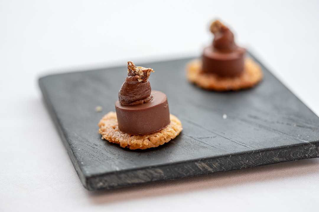 L'Envie by Hungry for More. Chocolate tarte by chef David Grosdent.
