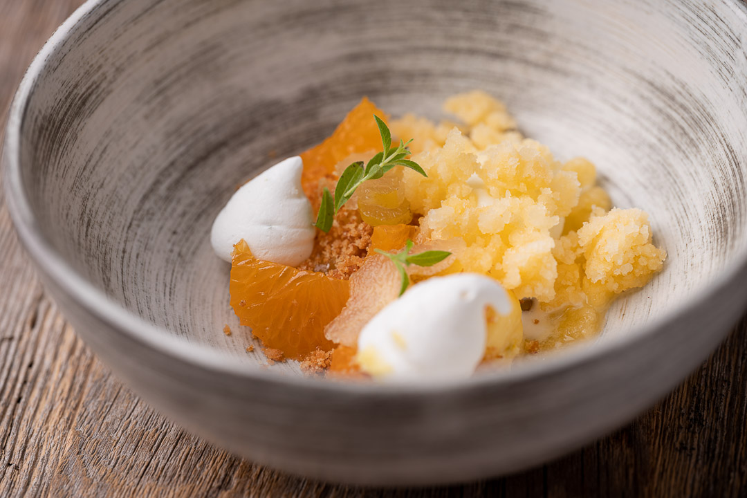 L'Envie by Hungry for More. Details of the citrus fruit dessert by chef David Grosdent.
