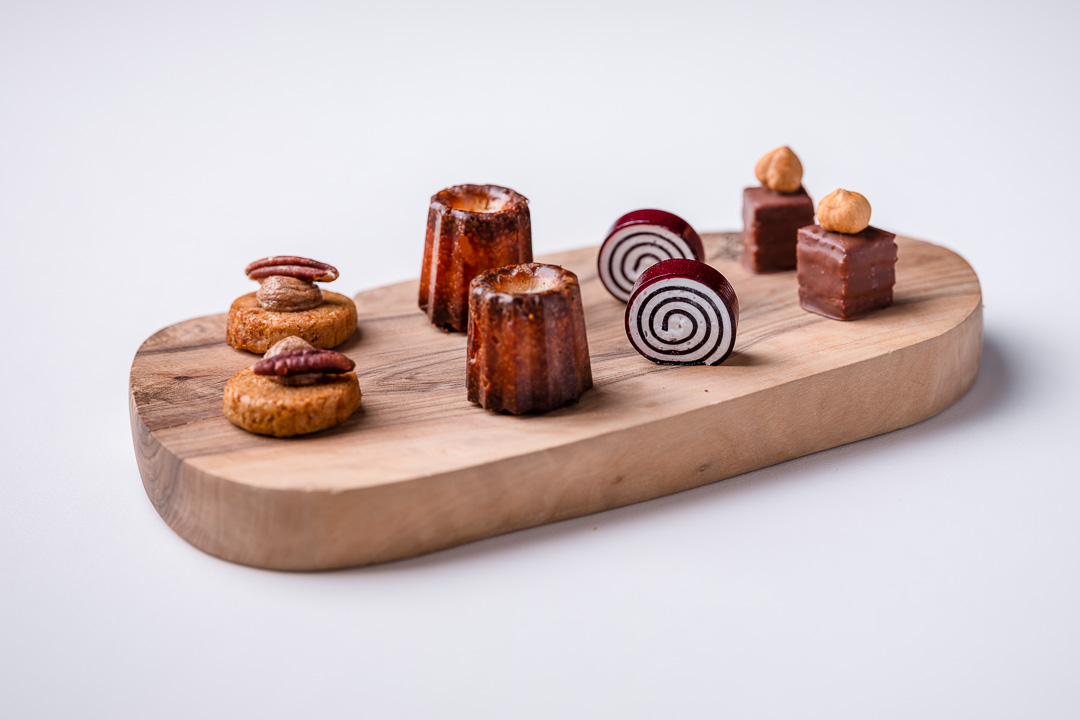 Alain Bianchin by Hungry for More. Overal picture of the mignardises.