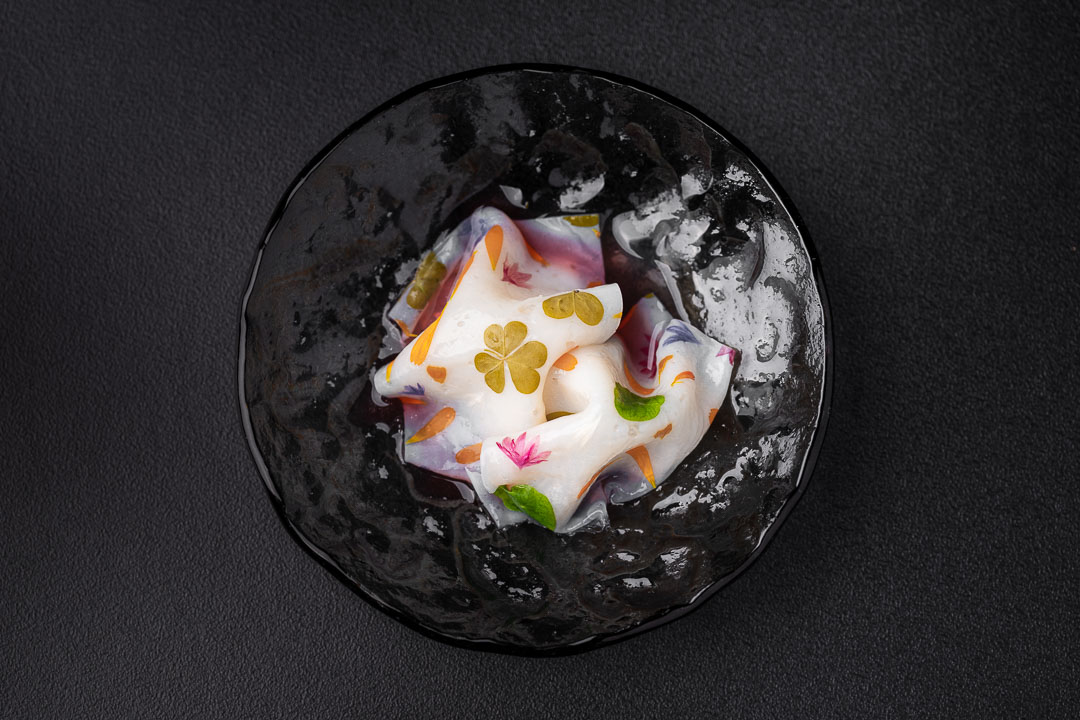 RIJKS by Hungry for More. Top shot of the scallops dish by chef Joris Bijdendijk.