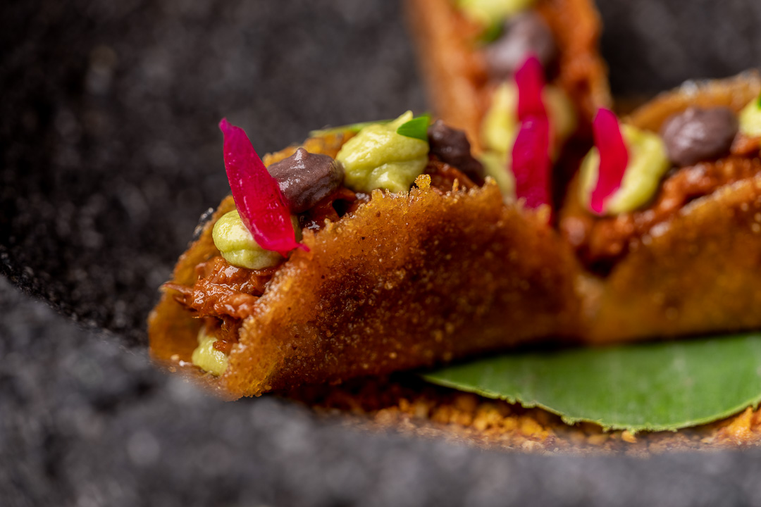 Paco Roncero by Hungry for More. Details of the cochinita pibil taco by chef Paco Roncero.