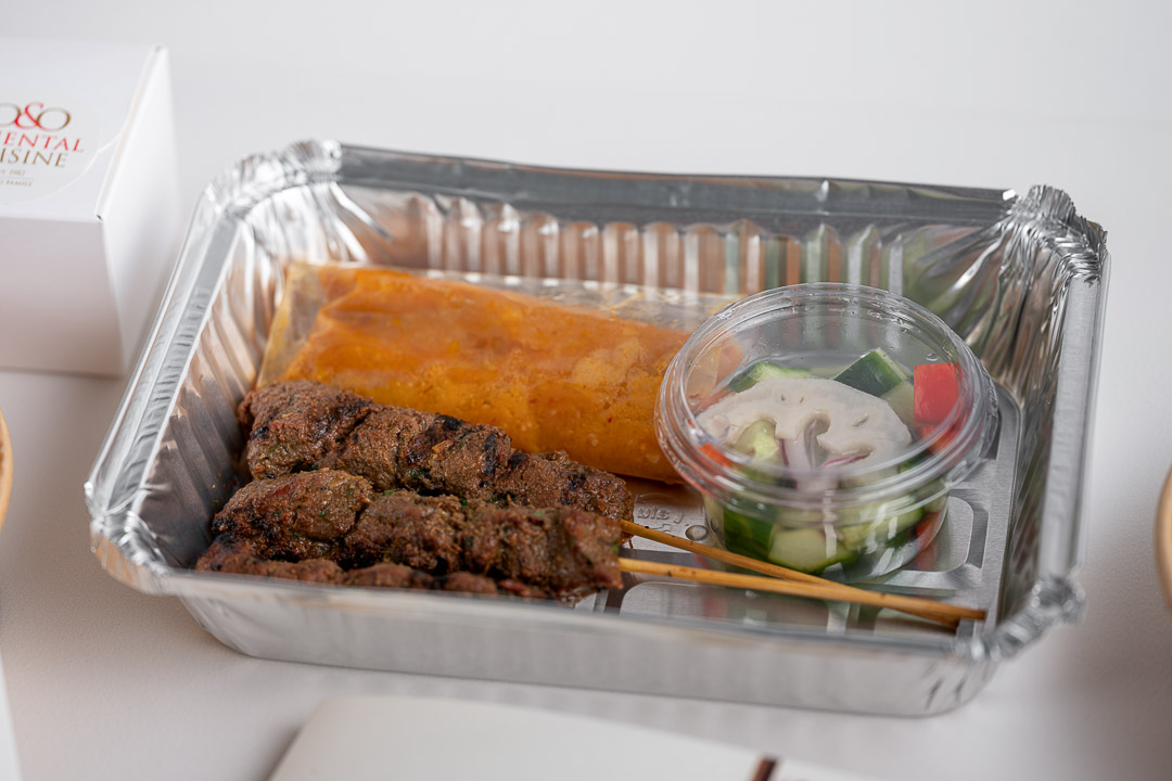 O&O by Hungry For More. Take away pakketje voor Singapore beef satay