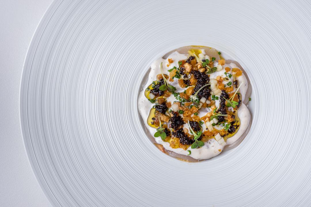 coquilles met foie gras, crème fraîche, Granny Smith en truffel.