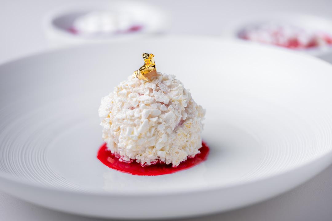 Fred By Hungry For More - Dessert van aardbei en yoghurt.