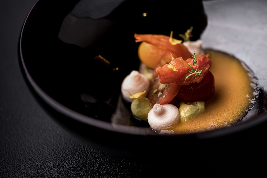 Le gastronome By Hungry For More - Tomaten, makreel, avocado en kruiden