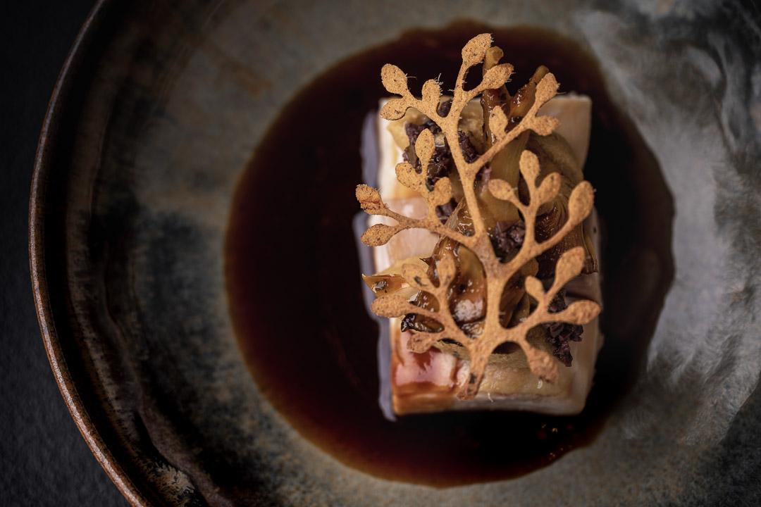 Le gastronome By Hungry For More - Hoevekip, artisjok, olijven en maïs.